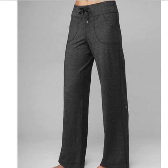 ff91c9f056 Pants | Lululemon Straight Leg Size 8 Good Condition | Poshmark